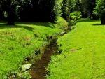 Искусственный ручей на приусадебном участке: насос для ручья